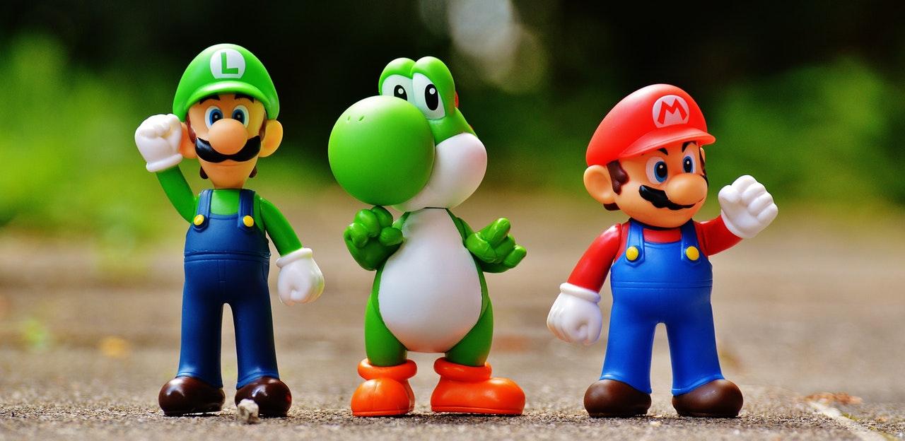 Kända spelfigurer i färg